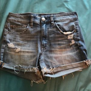 American Eagle size 6 high waist light wash shorts